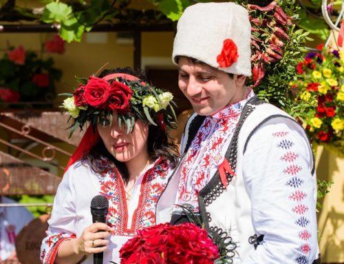 Традиционната фолклорна сватба на Тодор и Памела